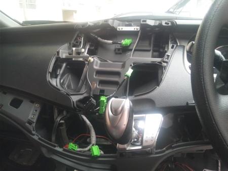 MOP HDDナビ、ディスプレイユニット交換(2)