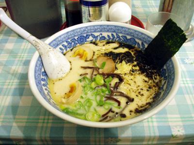熊本ラーメン「大門」を食す。