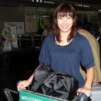 笑顔で欧州合宿に向けて出発の、夏見円選手